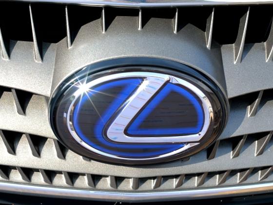 Эмблема Hybryd Lexus передняя в решетку